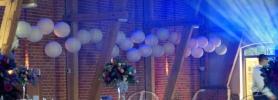02_podswietlane_kule_dekoracja_sali_wroclaw