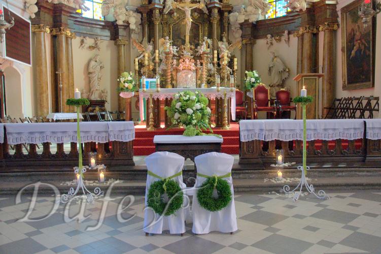 146-dekoracja_kosciola_wroclaw_traugutta_02_krzesla