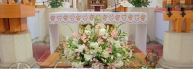 008-kosciol-najswietszej-marii-panny-na-piasku-kompozycje-kwiatowe