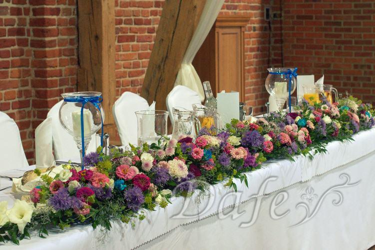 11_dekoracja_sali_wroclaw_kolorowe_kwiaty